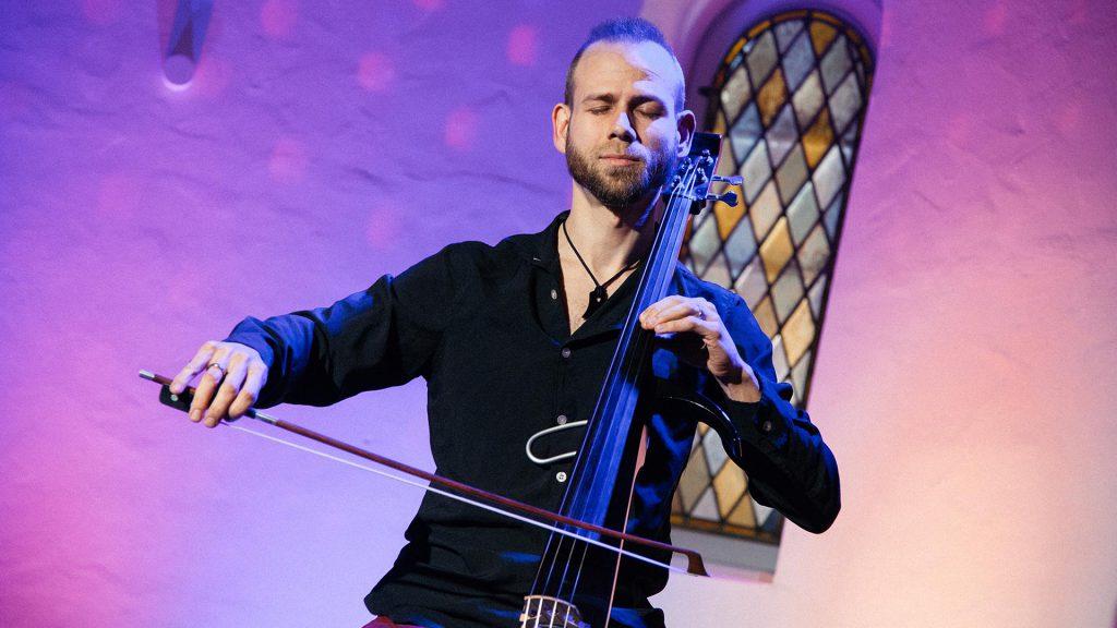 Matthias Hübner am Cello